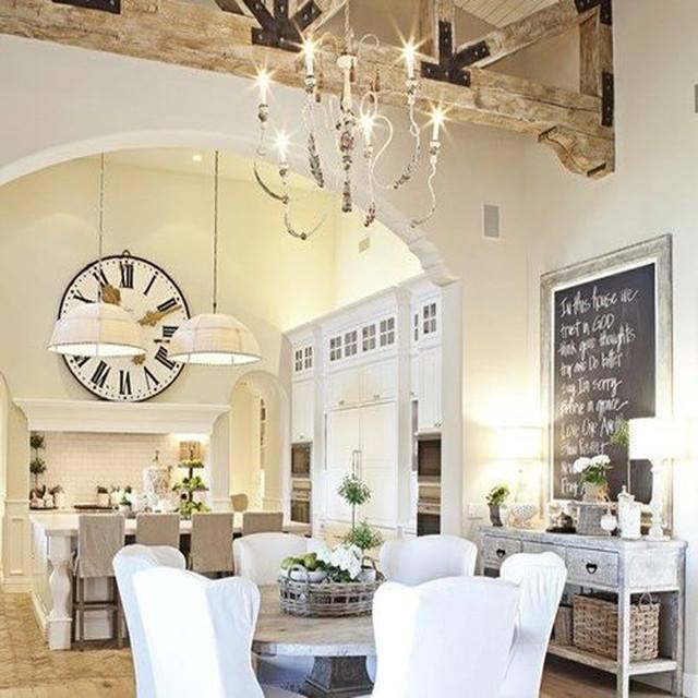 In una cucina non può mancare l\'orologio da parete - Orologi da parete